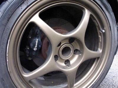 rear wheels; notice rusty bits and chipped rims