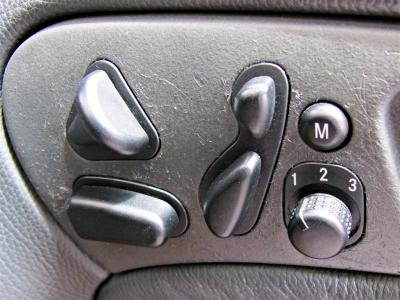intuitive controls for seat/steering-wheel adjustment